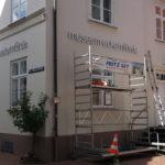 Neue Außenwerbung des Museums